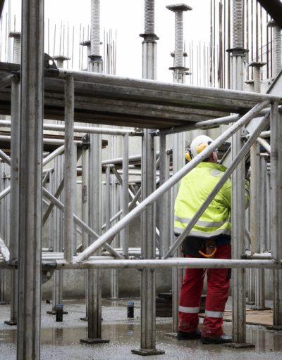 bouw gaat door, foto Bert Wisse